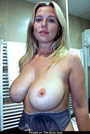 Image. Naked nice woman image