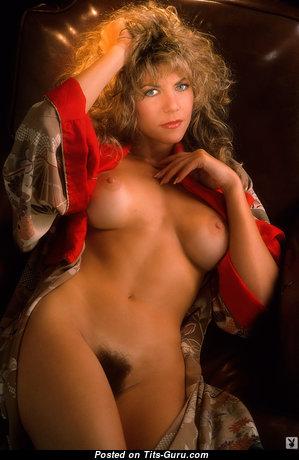 Sexy Nude Playboy Lassie (Hd Sexual Image)