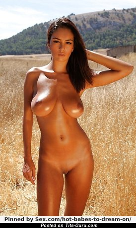Image. Ela Savanas - naked beautiful female with big natural boobs pic