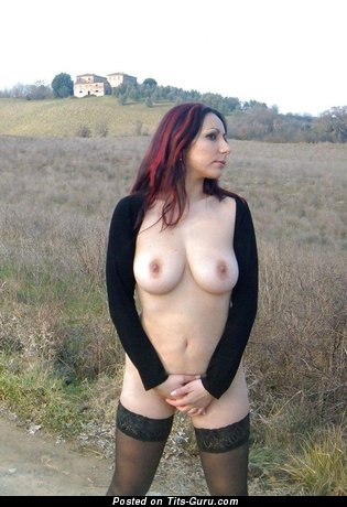 Topless amateur beautiful lady picture