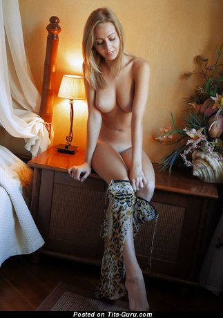 Image. Naked hot woman with medium natural breast picture