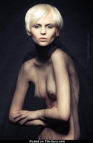 Wonderful Nude Blonde (Sex Image)