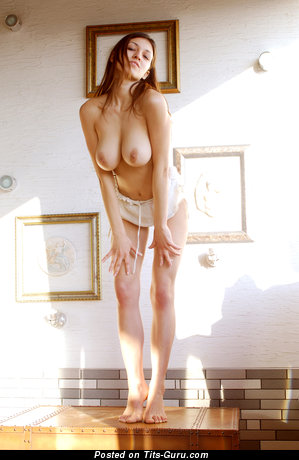 Image. Meris - naked brunette with big natural boob pic