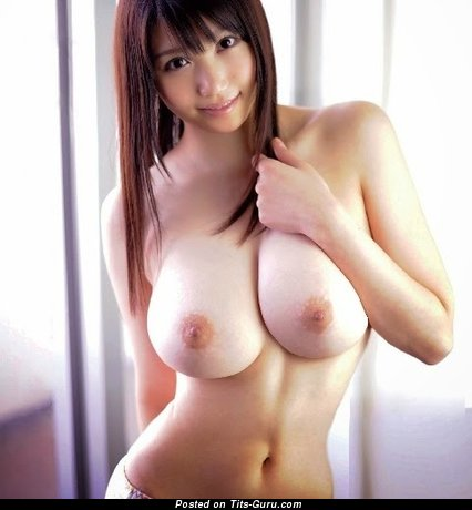 Delightful Asian Female with Delightful Bald Full Tittes (18+ Foto)