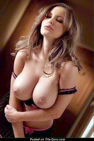 Image. Naked beautiful woman with big tittys picture