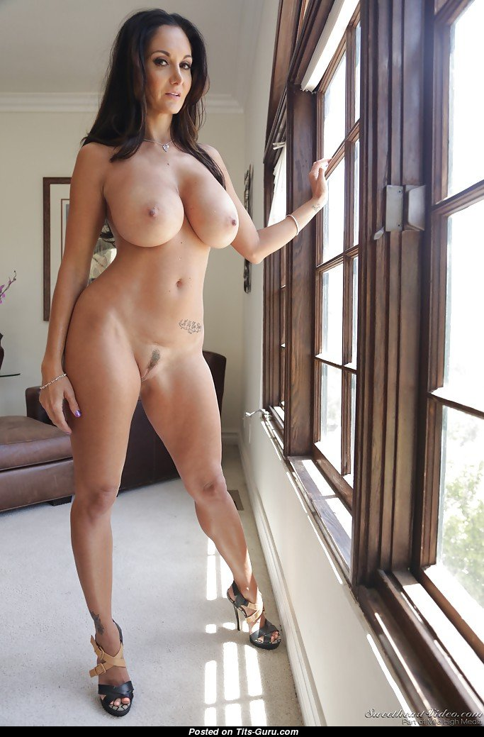 Huge booty tranny shemale big butt