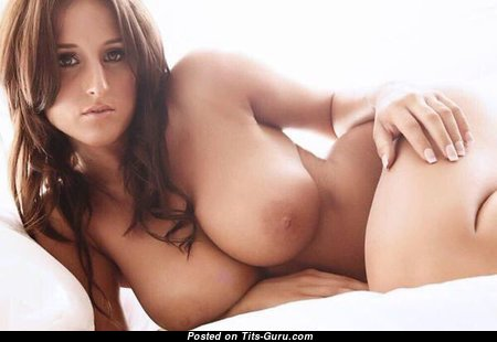 Sexy Babe with Sexy Naked Real Full Busts (Xxx Photoshoot)