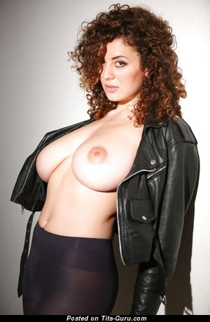 Image. Leila Lowfire - sexy nude beautiful girl with medium natural tots pic