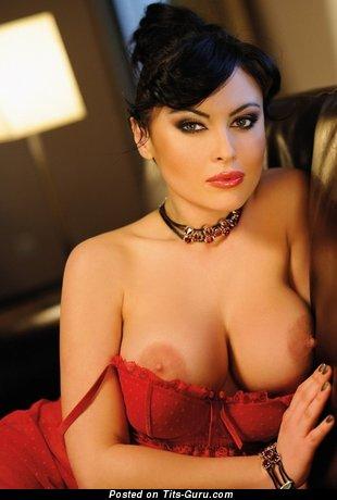 Изображение. Фото офигенной голой леди с большими дойками