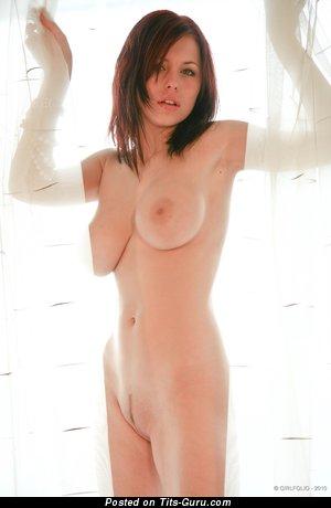 Image. Iga Wyrwal - sexy nude brunette with medium natural boob photo