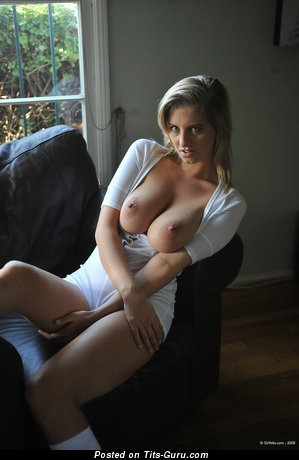 Image. Jenny - sexy nude blonde with medium natural tittys pic