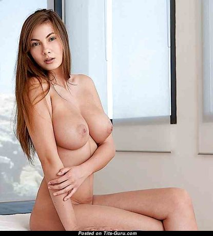Good-Looking Babe with Good-Looking Open Natural C Size Boobys (Xxx Foto)