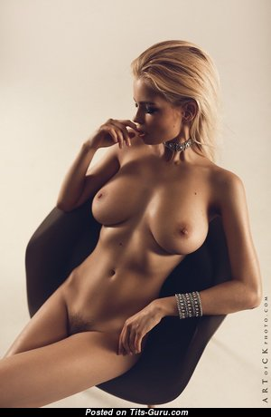 The Nicest Blonde with The Nicest Bare Fake Tots (Hd Xxx Pix)