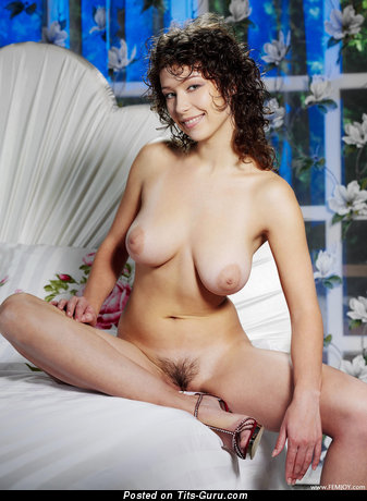 Veronika I - sexy topless brunette with medium natural boob pic