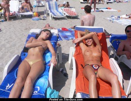 Sexy Topless Lady in Bikini on the Beach (Home Hd Xxx Pic)