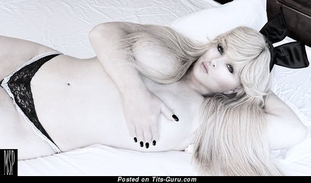 Abigail Rich - topless blonde with big nipples pic