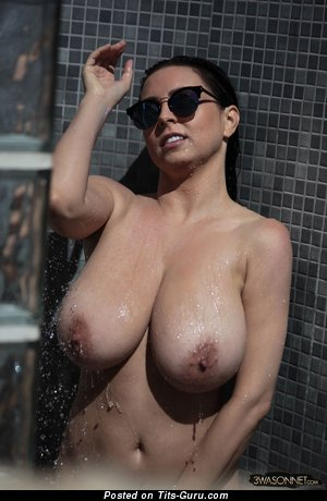 Image. Ewa Sonnet - nice lady with big natural boob pic
