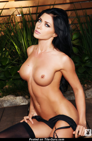Image. Elena Romanova - naked brunette with medium tittes picture