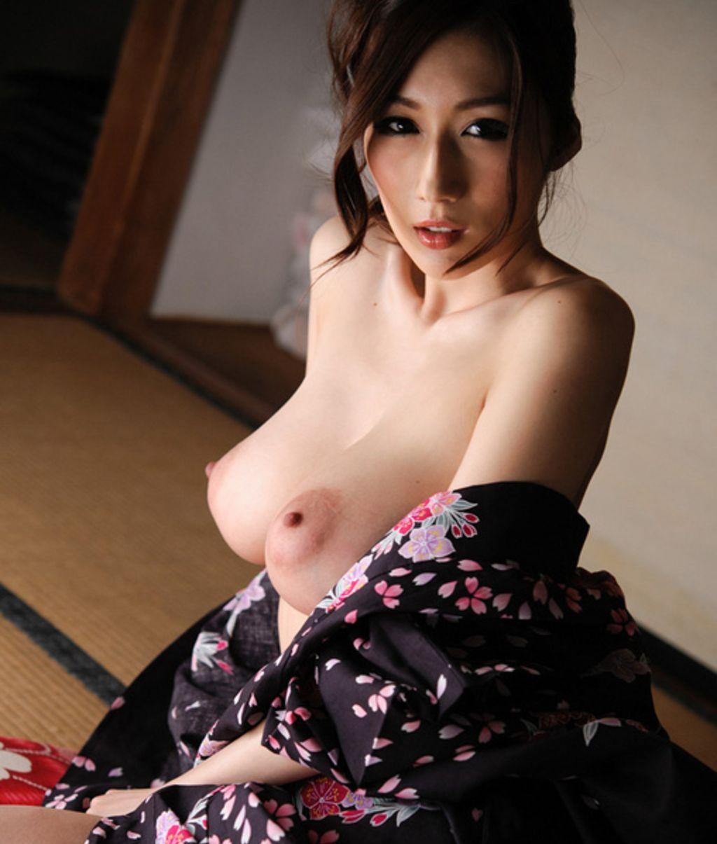 Секс с большегрудой японкой 14 фотография