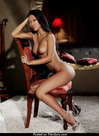 Image. Mariko - nude asian with medium natural tittes image