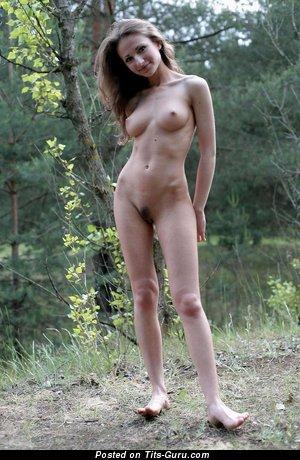 Изображение. Картинка умопомрачительной обнажённой женщины