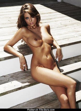 Beautiful Babe with Beautiful Exposed Real Medium Knockers (Hd Xxx Picture)