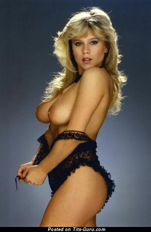 Изображение. Sam Fox - изображение умопомрачительной голой блондинки с средними натуральными сиськами ретро