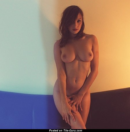 Fascinating Lady with Fascinating Nude Real Average Tittes (Sexual Wallpaper)