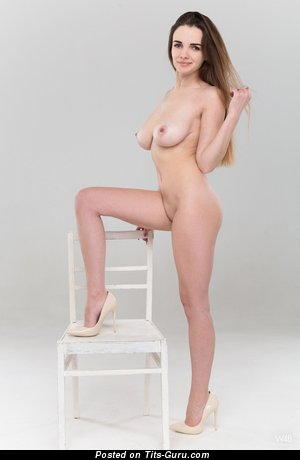 Marryk - sexy naked brunette picture