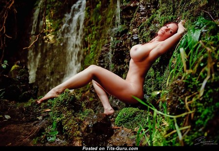 Bianca Beauchamp - изображение восхитительной голой рыжей с силиконовыми сиськами