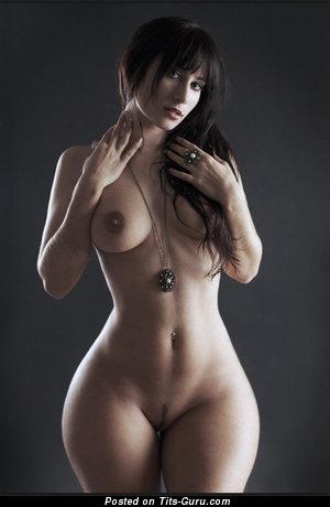 Splendid Brunette with Splendid Exposed Real Soft Boobs (Xxx Picture)