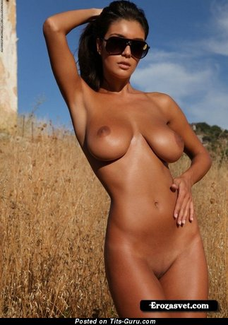 Image. Nice lady with big boob pic
