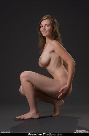 Image. Naked wonderful lady with medium boob pic