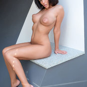 Linette - wonderful female with big natural boob picture