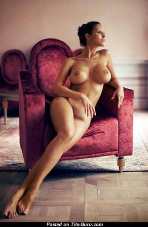 Superb Babe with Superb Exposed Medium Sized Titties (Hd Sexual Pic)
