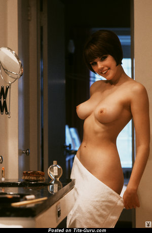 Diane Chandler - naked beautiful lady with medium natural boobies photo