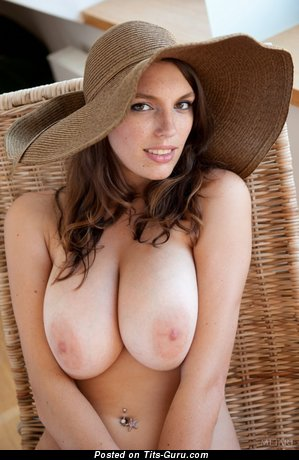 Image. Nude nice lady with natural tittes picture