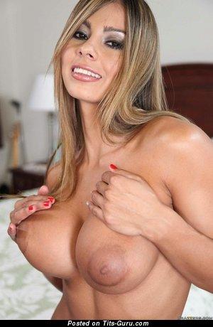 Esperanza Gomez - фото умопомрачительной голой блондинки латиноамериканки