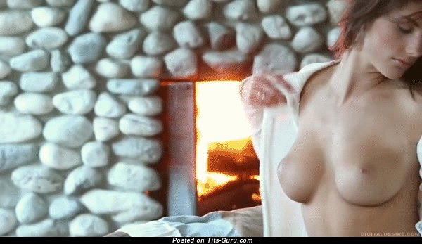 Image. Nude hot woman with medium tots gif