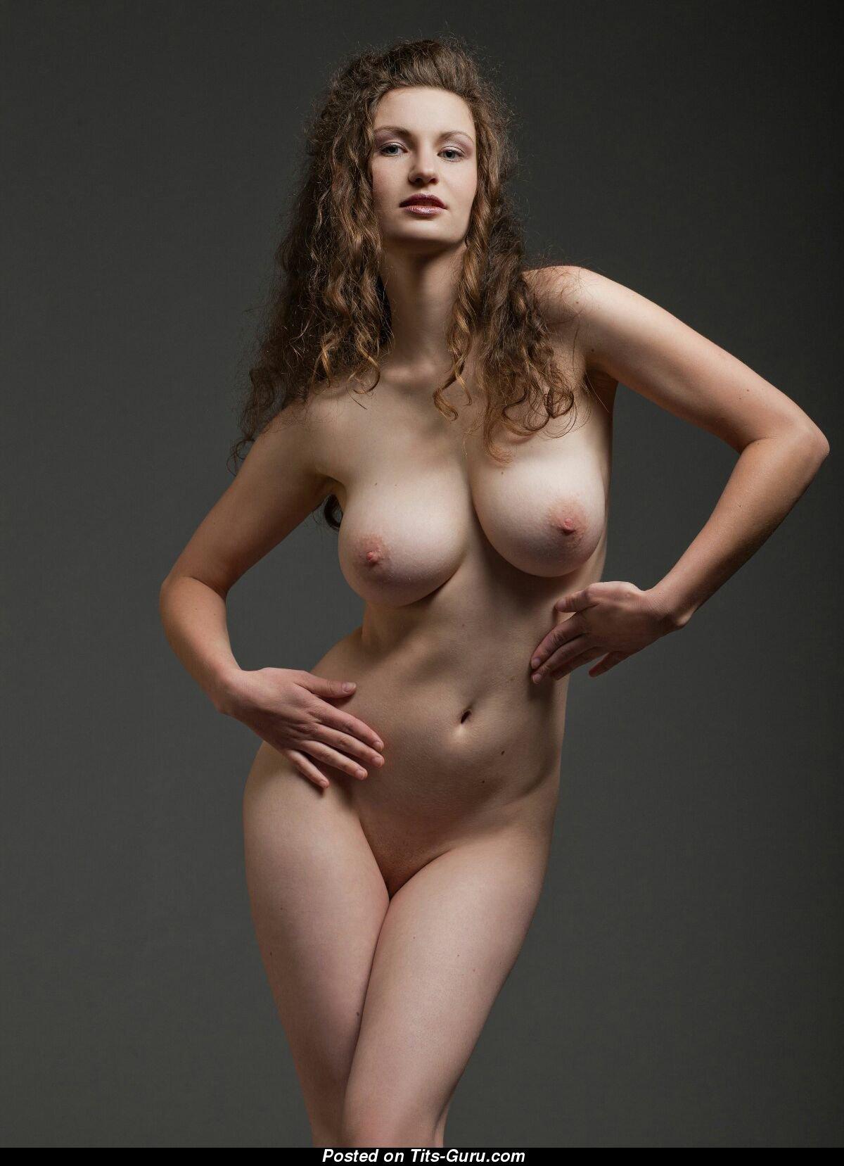 Голых с3 размером женщин груди фото
