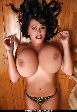 Leanne Crow - Appealing British Brunette Babe & Pornstar with Appealing Open Extreme Tittes & Tattoo (Sex Photo)