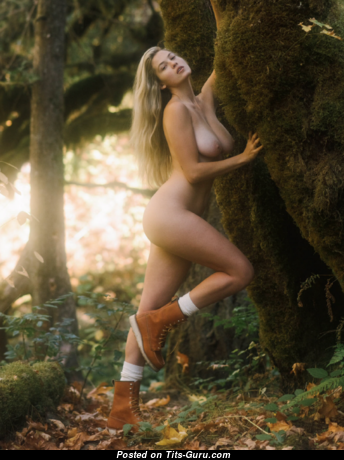 Megan Moore - Wonderful Unclothed Playboy Blonde (Sexual Picture)