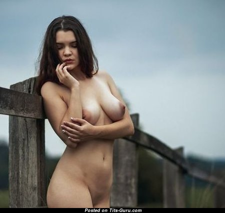 Sweet Glamour Naked Honey with Red Nipples (Sex Pix)