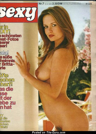 Georgie Steer - naked wonderful lady with medium natural boobs pic