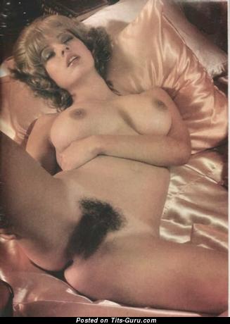 Nude beautiful girl vintage