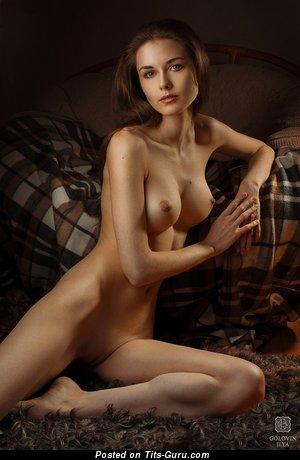 Изображение. Фотка восхитительной голой леди с большими дойками