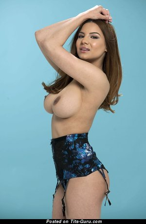 Image. Lacey Banghard - naked brunette with big natural boobies picture