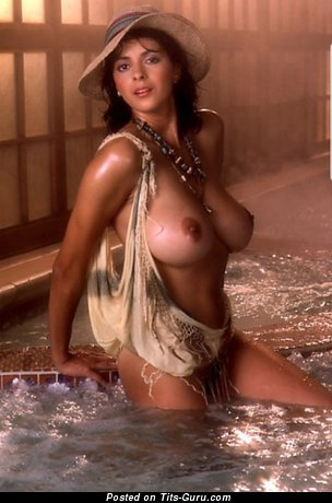 Image. Roberta Vasquez - sexy nude latina brunette with medium natural tits photo