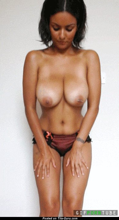 Image. Nude hot girl with big natural tots gif