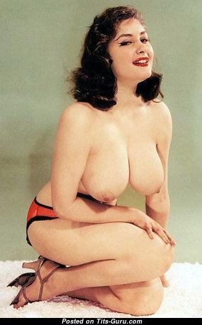 Beautiful Nude Playboy Chick (18+ Image)